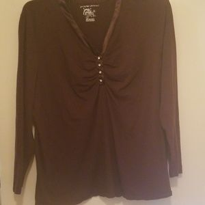 ❤Brown long sleeve 4x Tshirt with satin trim & rhi